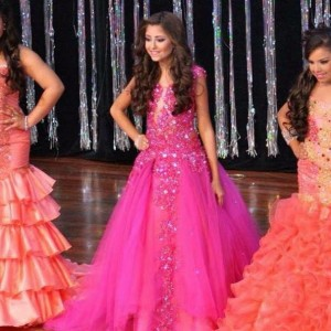 Gobierno de Ecuador suspende concurso de belleza para niñas