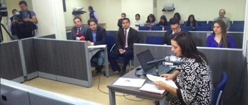 Diarios La Hora y Expreso abandonan audiencia en la Supercom