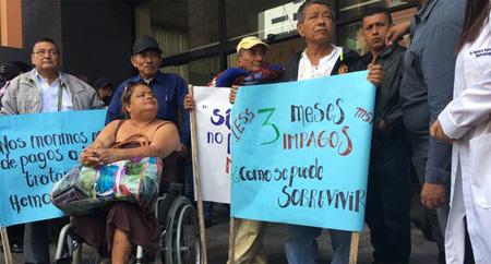 Pacientes de enfermedades renales dicen que escasean insumos para sus tratamientos