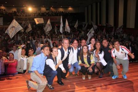 Se invita a becarios a explicar sobre la Revolución Ciudadana