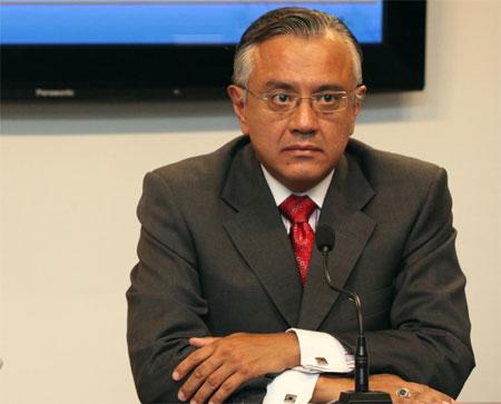 Mera reconoce que Aguiñaga recibió presión del gobierno en caso Issfa