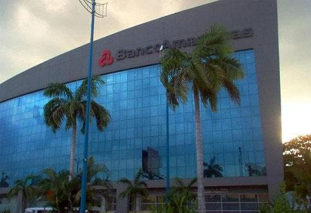 Asaltan sede de Banco Amazonas en Guayaquil