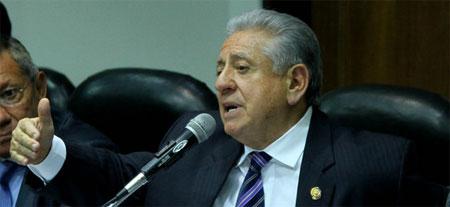 Luis Chiriboga renunció a la presidencia de la FEF