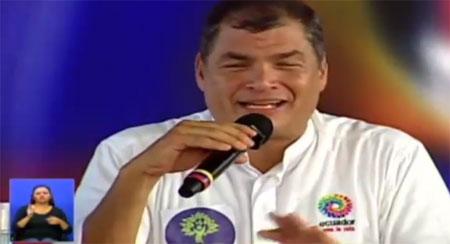 Presidente Correa llama a la batalla en redes y le dan para el «santo y la limosna»