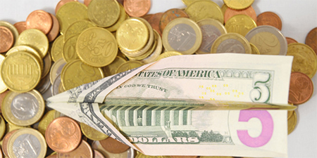 Desde este sábado usted ya no puede salir del país con más de $1098 en efectivo