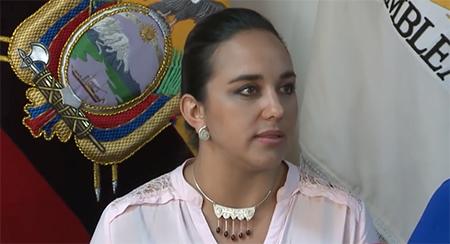 Gabriela Rivadeneira dice que falta de normas  «producieron» colapso de edificaciones y que familias «perdieron pérdidas de vidas humanas»