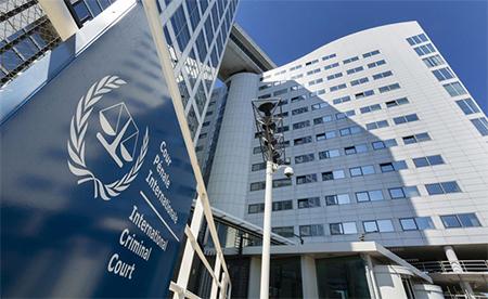 Rafael Correa es denunciado en la Corte Penal de la Haya