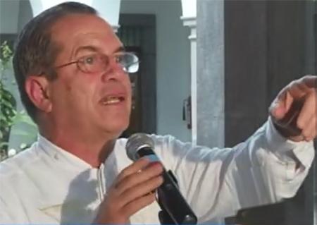 Patiño advierte que habrá consecuencias para militares que no respeten a sus autoridades