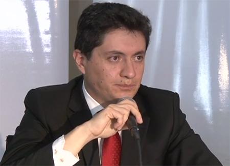 Gerente del Banco Central señala que en Ecuador no hay crisis, solo una desaceleración fuerte.