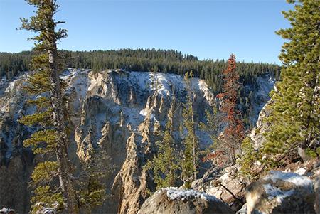 Lamentable fallecimiento de ecuatoriana tras caer por el Gran Cañón de Yellowstone