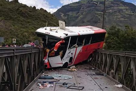 5 muertos en accidente en Baños
