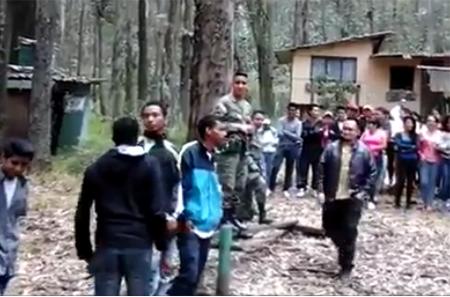 Se difunde nuevo video donde se observa a militares en Ecuador preparando a civiles como grupos de choque (Video)