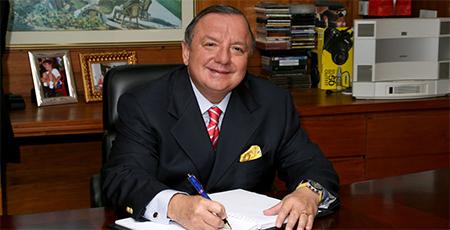 Por sexta ocasión Álvaro Noboa será candidato