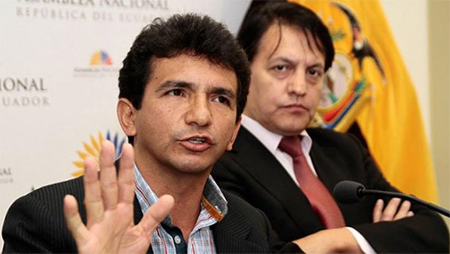 En la madrugada, juez ordenó prisión preventiva contra Cléver Jiménez y Fernando Villavicencio