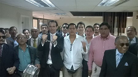 Abogados protestaron contra el fiscal Galo Chiriboga (Video)