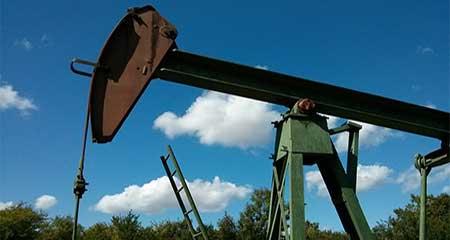 Ecuador reducirá su producción de petróleo