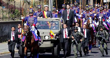 Correa destituye nuevamente a parte de la cúpula militar
