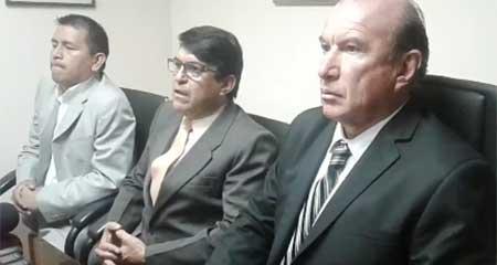 Veedores condenados a un año de cárcel por investigar contratos del hermano del presidente (Video)