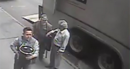 Un ecuatoriano se habría robado un balde lleno de oro, según la policía de Nueva York (Video)