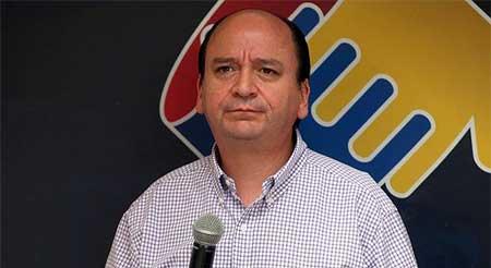 Asesor de Rafael Correa postula para el cargo de Fiscal de la Nación
