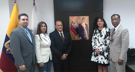 Delegación cubana se paseó 10 días por varias instituciones estratégicas del Ecuador
