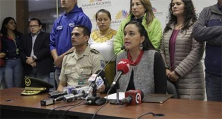 Gabriela Rivadeneira dice que quisieron atentar contra su vida con un cd explosivo