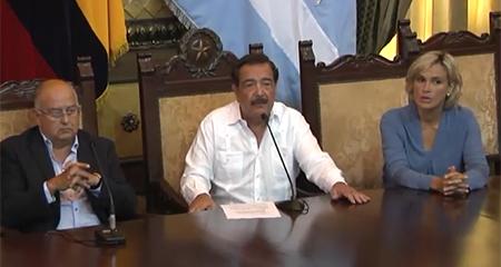 Nebot llama a una gigantesca movilización para defender la democracia desde las calles (Video)