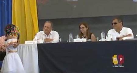 Niña es utilizada en declamación a Rafael Correa (Video)