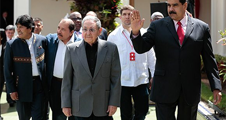 Raúl Castro dice que apoya a Lenin Moreno