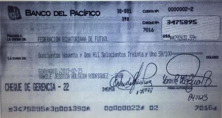 Filtran cheque con el que se habría pagado ataque en el Estadio Atahualpa a Guillermo Lasso