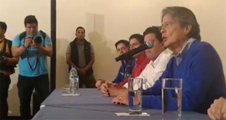 Guillermo Lasso denuncia fraude electoral ante misión de observadores de la OEA