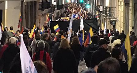 Viernes 7 de abril: Miles de quiteños protestan por el fraude que beneficiaría a Lenín Moreno (Video)