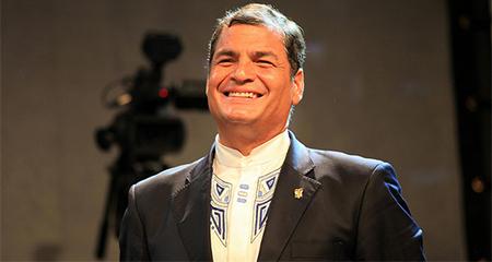 Correa, mediante decreto ejecutivo, se auto otorga protección del Estado antes de finalizar su mandato