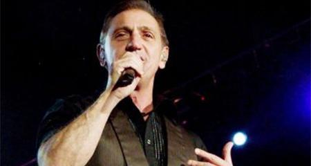 Franco de Vita, en su concierto en Quito, pidió aplausos para venezolanos que luchan por la libertad (Video)