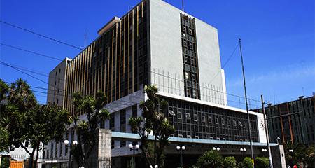Expertos critican pagos al Banco Central del Ecuador con acciones