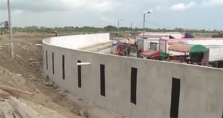 Ecuador construye un muro en la frontera con Perú