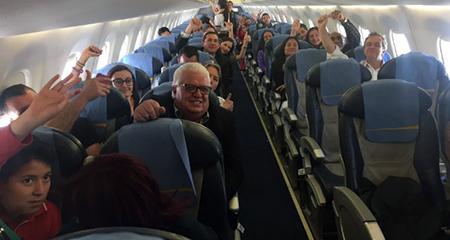 Situación en avión de TAME generó varias críticas de sectores ciudadanos