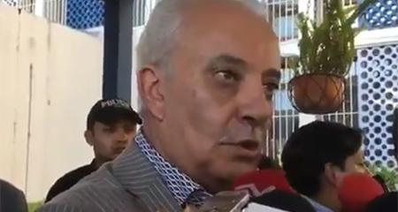 Exfiscal Galo Chiriboga dice que a pesar de que estaba registrado para tomar un vuelo, no iba a viajar (Video)