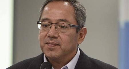 Ministro Augusto Espinosa conocía de abusos sexuales en escuelas públicas. Nunca lo mencionó.