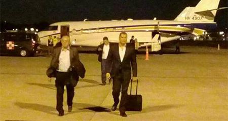 Correa, llegó en vuelo privado, en la madrugada a Guayaquil