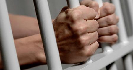 Articulista de diario El Universo es detenido producto de una sentencia de dos años de prisión por calumnias a ex asambleísta