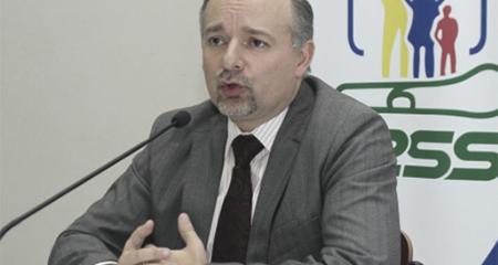 Richard Espinosa renunció al IESS