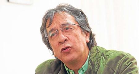 Galo Mora presenta renuncia un día despúes que lo cesan