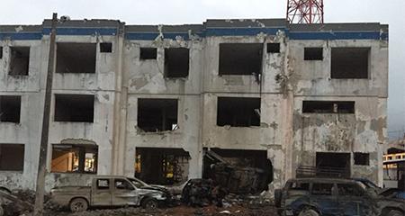Atentado con coche bomba en el cuartel de Esmeraldas