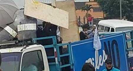 Correa suspende las caravanas