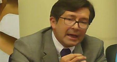 César Montúfar presentará denuncia en fiscalía contra Rafael Correa, por delincuencia organizada