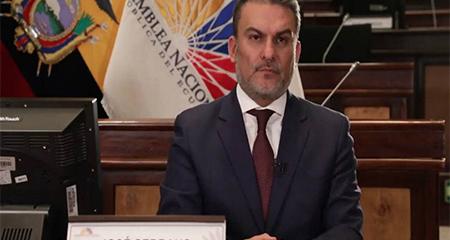 José Serrano es destituído como presidente de la Asamblea Nacional