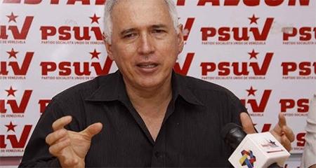 Ex gobernador chavista llega al Ecuador (Video)