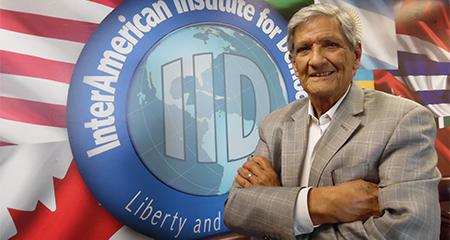 Ex embajador de EE.UU, Armando Valladares, expresa su preocupación por caso Galo Lara