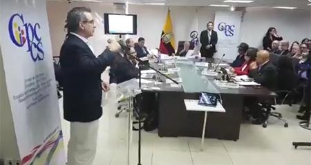 Justavo Jalkh abandona su defensa tras discusión con Julio César Trujillo
